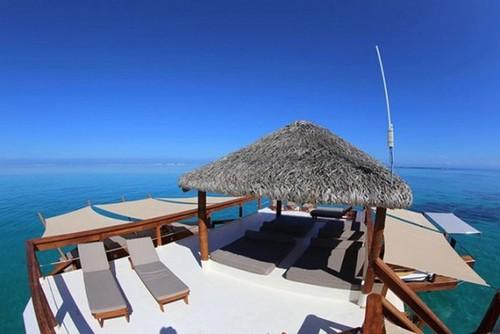 luxury-bar-restaurant-design-cloud-9-fiji (5).jpg