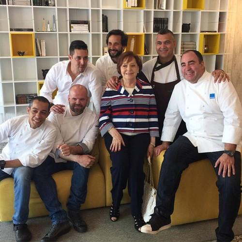 MLM com chefs.jpg