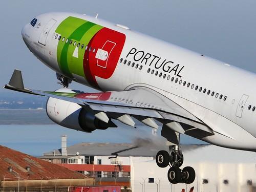 Airbus_A330-202,_TAP_Portugal_AN1869988.jpg