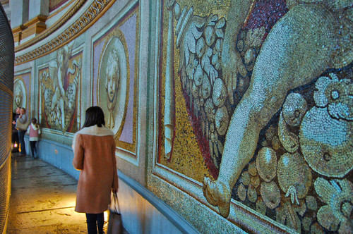 Na cúpula da Basílica de São Pedro