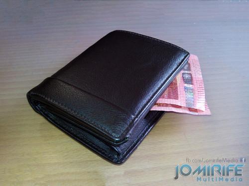 Carteira com dinheiro [en] Wallet with money