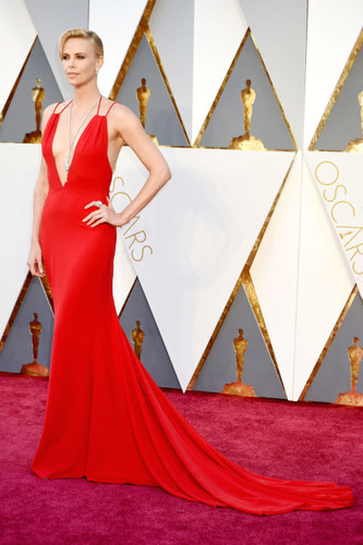 hbz-the-list-best-dressed-oscars-2016-charlize-the