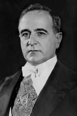 Getulio_Vargas_(1930) in wikipedia.jpg