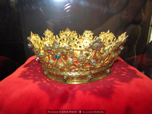 Coroa de ouro da Rainha Santa Isabel, Infanta de Aragão, Rainha de Portugal (1271-1336). Gold Crown Queen Santa Isabel, Infanta of Aragon, Queen of Portugal
