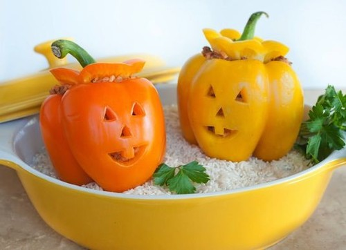 64-Non-Candy-Halloween-Snack-Ideas-lantern-peppers