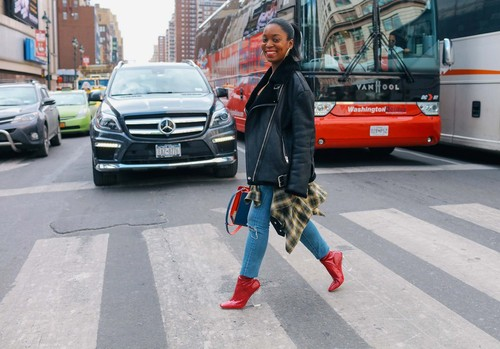 06-nyfw-street-style-day-1-phil-oh.jpg