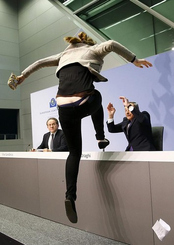600x845_1504-mario-draghi-attack1.jpg
