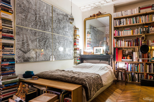 Booksbedroom.jpg