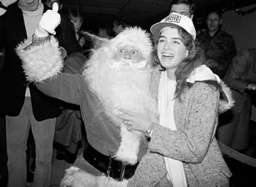 Brooke-Shields-and-Santa-Claus-1983.jpg