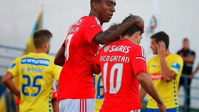 talisca estoril benfica 2.jpg