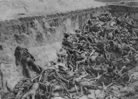 Bergen-Belsen, Maio 1945.jpg