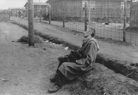 Bergen-Belsen, depois de Abril 1945, sem força pa
