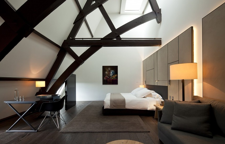 12205_crop_940x604_conservatorium_hotel_room_808_0