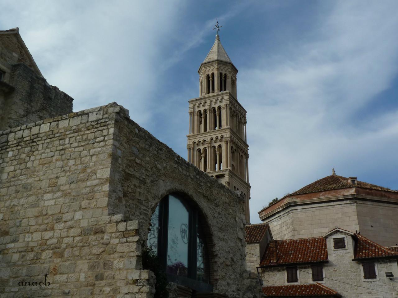 Croácia-Spli3-Torre e Catedral 1.jpg