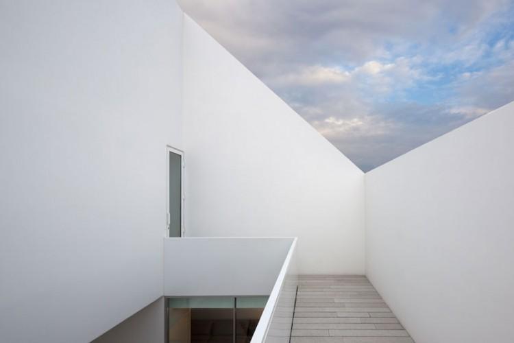 Leiria-House-16-750x500.jpg