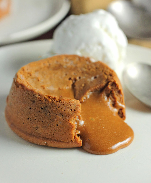Molten-Dulce-de-Leche-Cakes.jpg