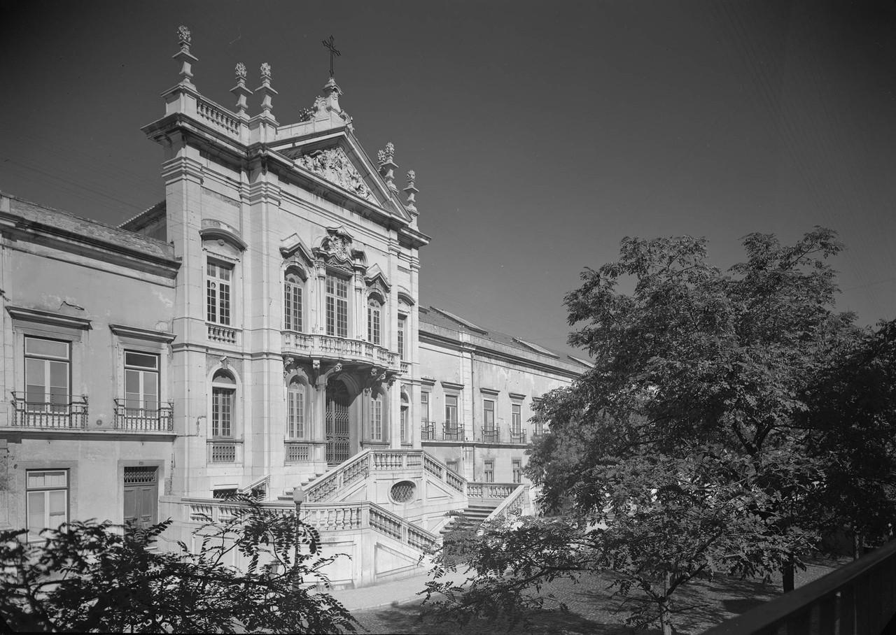 Palácio da Bemposta, fachada principal, estudio m