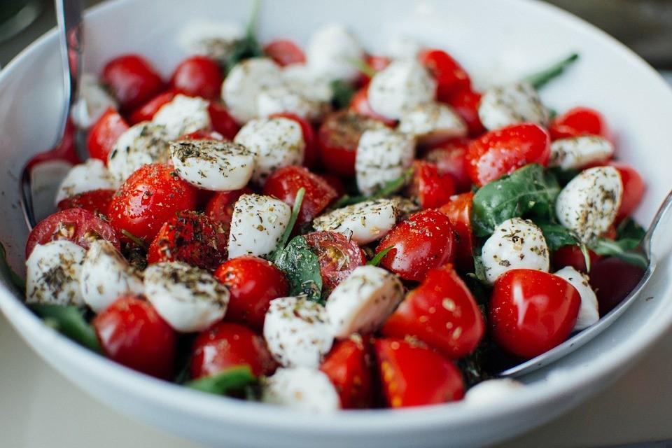 tomatoes-925698_960_720.jpg