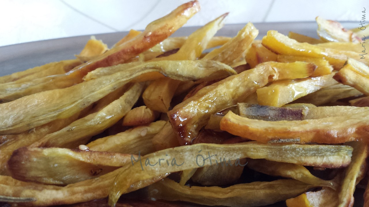 Batatas doces fritas no forno.jpg