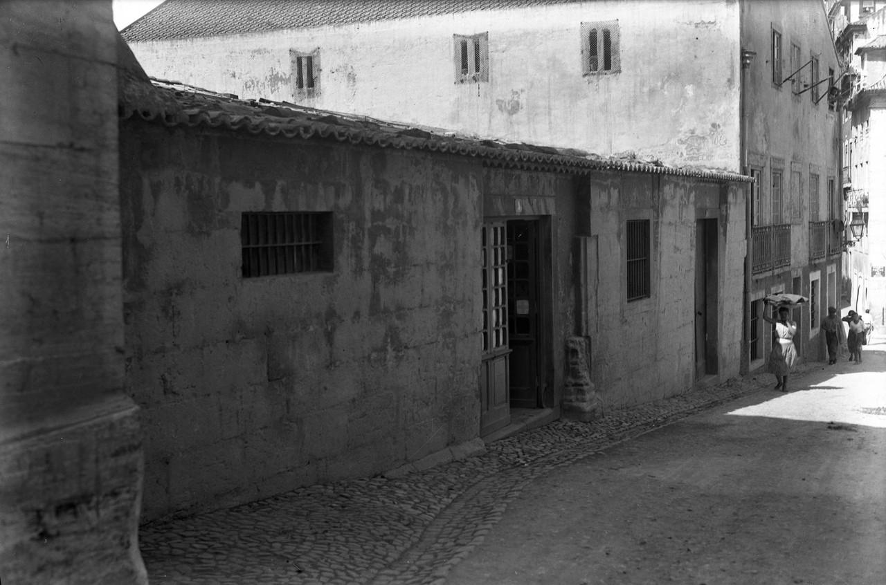Casa dos Bicos, traseiras 1940.jpg