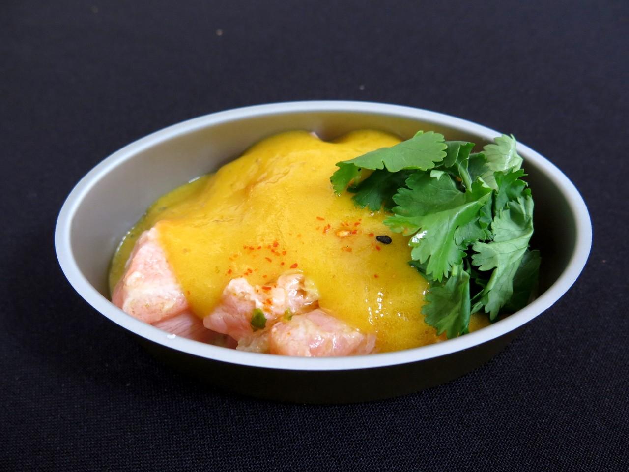 Salmão marinado com maracujá