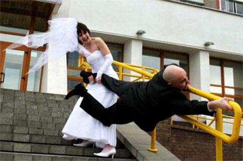 fugindo casamento.png