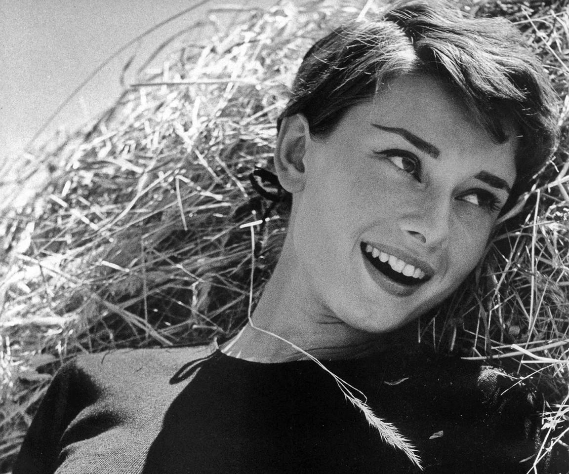 Audrey Hepburn 01.jpg