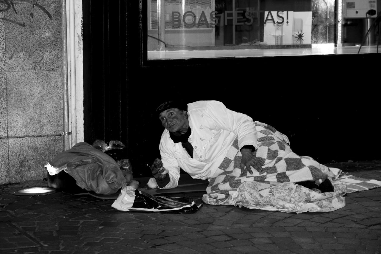 Pobreza é ficar indiferente # 32.jpg