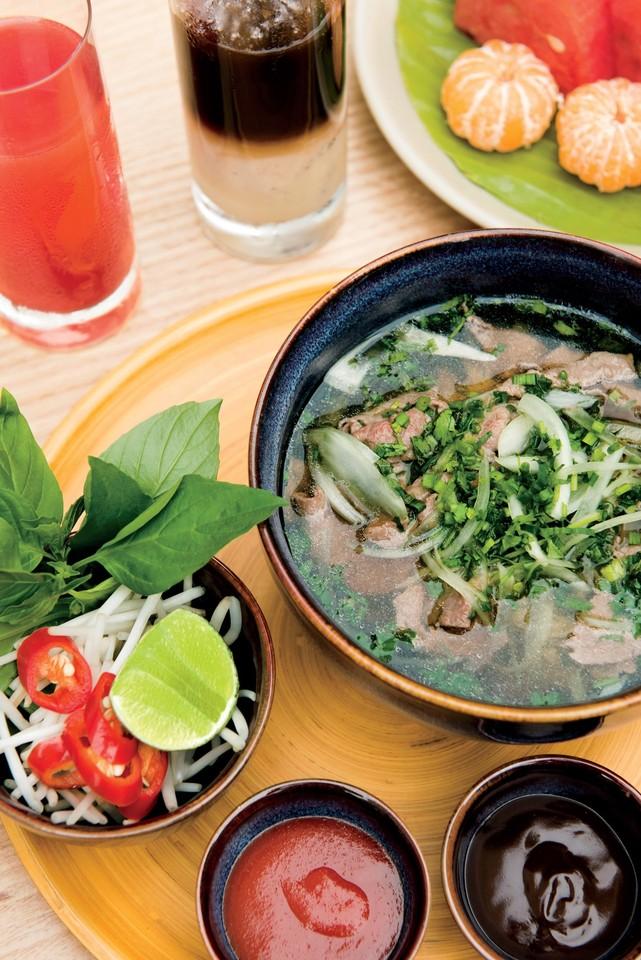 Park-Hyatt-Saigon-Vietnam-mar-JASON-LANG.jpg
