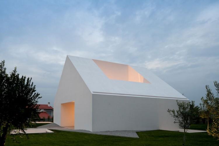 Leiria-House-05-1-750x499.jpg