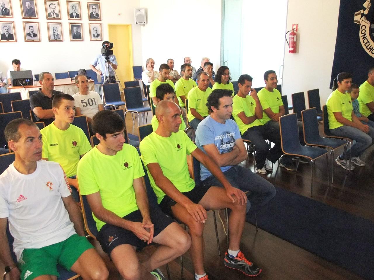 Atletas do GD de Castelo de Paiva.JPG