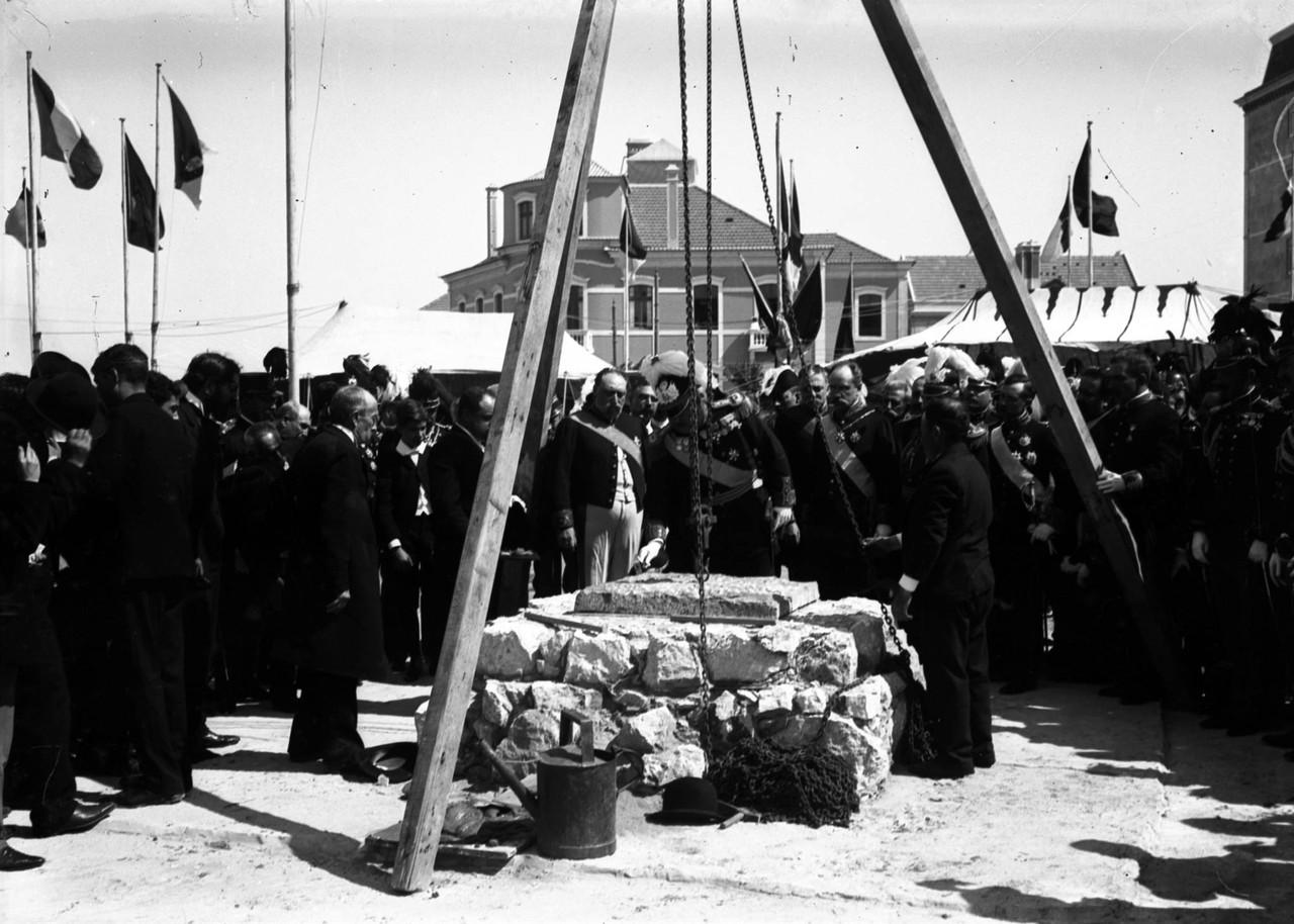 Lançamento da 1ª pedra do monumento da Guerra Pe