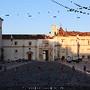 Nascer do sol na Universidade Coimbra Porta Ferrea