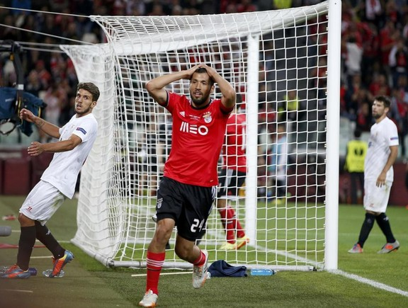 benfica-s-garay-reacts-after-missing-to-score-agai