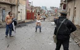 Civis fogem da guerra contra EI, Mossul, Iraque Zo