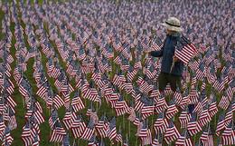 Criança no Memorial 11 Setembro, EUA