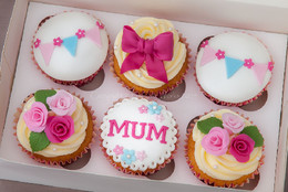 Mothers-Day-Cupcakes.jpg
