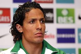 Bruno Alves pode reforçar Sporting