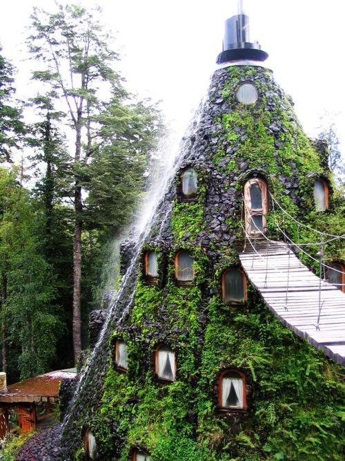 Hotel-La-Montana-Magica.-Huilo-Huilo-Chile.jpg