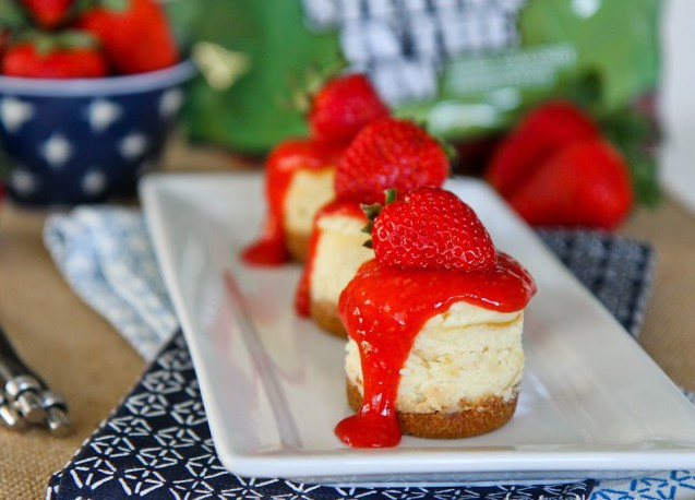 Mini-Strawberry-Cheesecakes-3-2-650x497.jpg