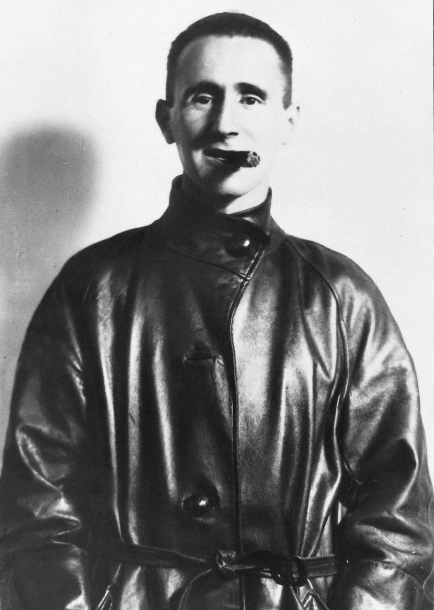 Bertolt_Brecht.jpg